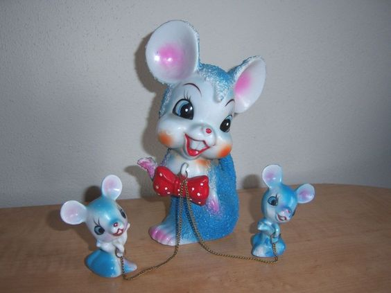 Vintage Arnart Porcelain Blue Mouse Mom with Red Bow Babies on Chain No 7691