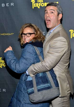 Humorist Amy Sedaris and talk show host Andy Cohen get friendly on The Performers red carpet on November 14.(© David Gordon)