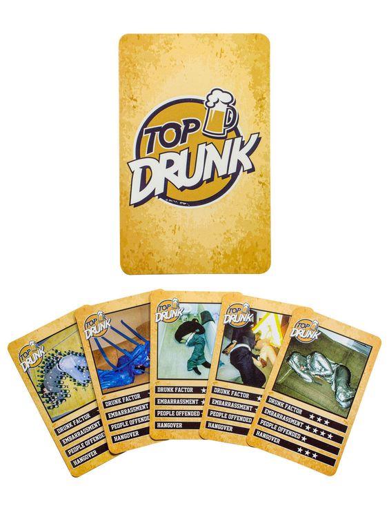 Alkohol-Quartett 'Top Drunk' Kartenspiel bunt 18x8x2cm. Aus der Kategorie Festival Zubehör / Festival Saufzubehör. Jeder, der ab und an einmal eine Party besucht, kennt sie: Menschen, die ein paar Gläschen über den Durst hinaus getrunken haben und dann schlafenderweise (und manchmal lustig dekoriert) in der Ecke liegen. In diesen irrwitzigen Quartett treten die größten Suffnasen aller Zeiten gegeneinander an! Geniales Kartenspiel für Partys!
