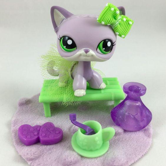 Littlest Pet Shop RARE Purple Shorthair Cat #2094 W/Green
