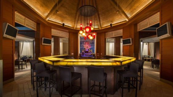 Walt Disney World - Disney Resorts - Cabana Bar and Beach Club at Walt Disney World Dolphin