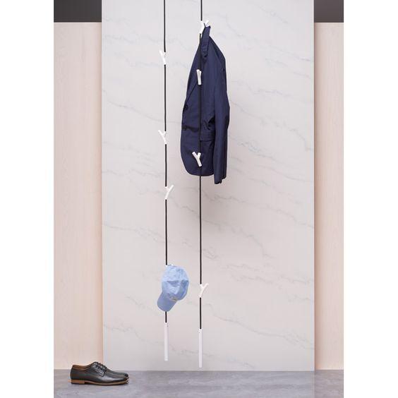 Schicke Garderobenlösung aus Stahlseil (von der Marke authentics)