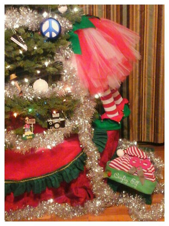 Made this adorable Crafty Elf.  Crafty Elf... taking down the trim, for her crafts.