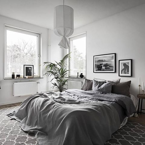 Gris Apaisant  Bedrooms Bed Room And House Mesmerizing Grey And White Bedrooms Decorating Inspiration
