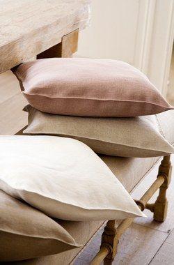 Tissus naturels - Tour d'horizon des nouveauté tissus dans la mode-maison - Un retour au naturel s'annonce aussi bien dans le textile que dans la déco en général, des couleurs douces des matières brutes, le tout dans une grande simplicité. On peut...