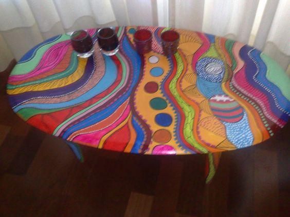 Mesa vintage pintada a mano mares de colores vintouch for Muebles corman