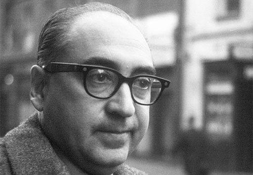 Foi um designer gráfico e cineasta. Mais conhecido pelo seu trabalho de design em diferentes filmes.