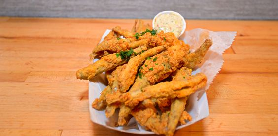 This Michael Kornick and David Morton venture keeps things simple, from the name to the menu of raw clams and oysters, fried and seasonal seafood, great sandwiches and awesome salads. The clam chowder and gumbo are outstanding. http://fishbarchicago.com/ #chicagoeats #resturantblogs #chicagofoodies