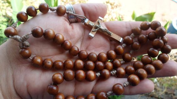 Check out this item in my Etsy shop https://www.etsy.com/listing/262584747/rescued-restored-recycle-rosary