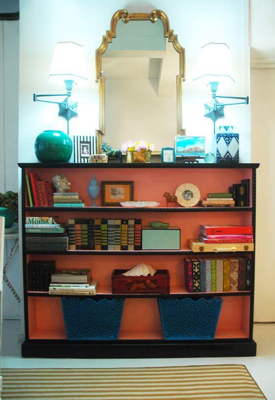 how to place items on bookshelves for decorative purposes: Jenny Komenda.