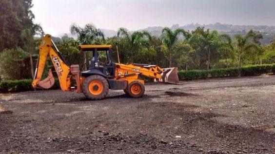 Limpeza de terrenos, escavação e demolição  Tel: (11)94711-7692