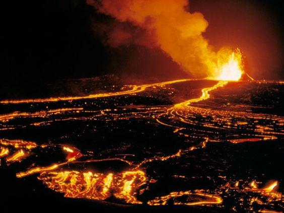 WWVolcanoes Volcano Volcano Pictures And Active Volcano - Incredible neon blue lava flames erupt volcano