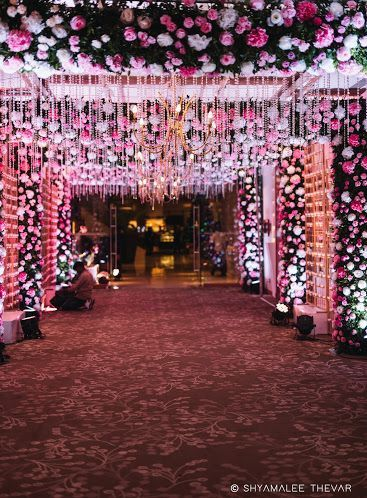 India S Best Wedding Planning Site Online Wedding Planner Wedding Entrance Indian Wedding Decorations Beautiful Wedding Decorations