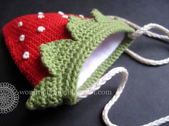 Ravelry: wondrlanding's Strawberry bag