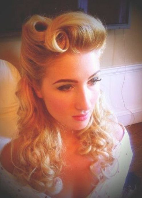 Pin By Lily Davidson On Clothes And Hair Vintage Hairstyles For Long Hair Vintage Hairstyles Roll Hairstyle