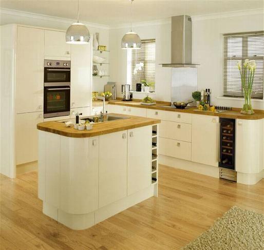 Cream gloss kitchen oak worktop google search kitchens for Cream kitchen base units
