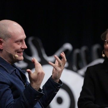 Berlin 2016 | Speakers, Talks | Chris Campe, 16 May 2016 Jonathan Barnbrook: Affecting the World in a Real Way – Jonathan Barnbrook on the TYPO main stage in a conversation with Sonja Knecht © Norman Posselt / Monotype