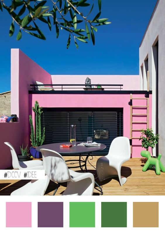 une jolie maison couleur rose bonbon httpbitly1i8fmbh deco amenagement decoration dccv rose pastel ciel exterieur terrasse archi - Jolie Maison Decoration