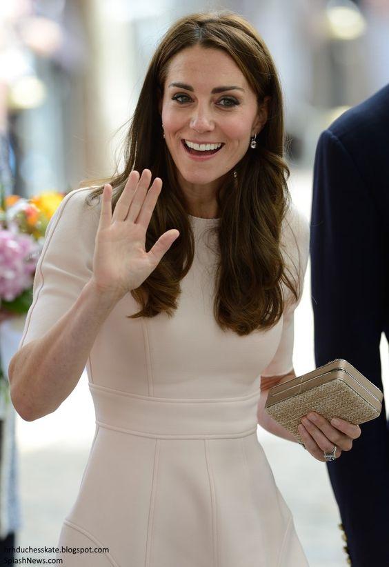 hrhduchesskate:  Visit to Cornwall, September 1, 2016-Duchess of Cambridge