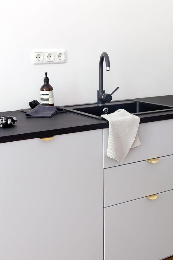 Świeże Jak wybrać uchwyty do szafek kuchennych? Przewodnik po rodzajach MA68