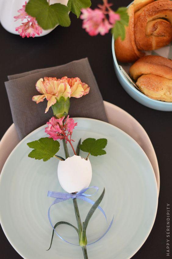 oster dekoration_oster dekoration mit ei und blume_nelke_carnation_happy serendipity_tischdeko