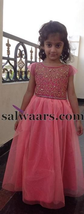 Long Frocks For Kids, Frocks For Girls, Kids Frocks, Eid Dresses, Party Wear Dresses, Cotton Dresses, Indian Dresses, Cute Dresses, Bridal Dresses Find this Pin and more on kids frocks by Ethnichyd.
