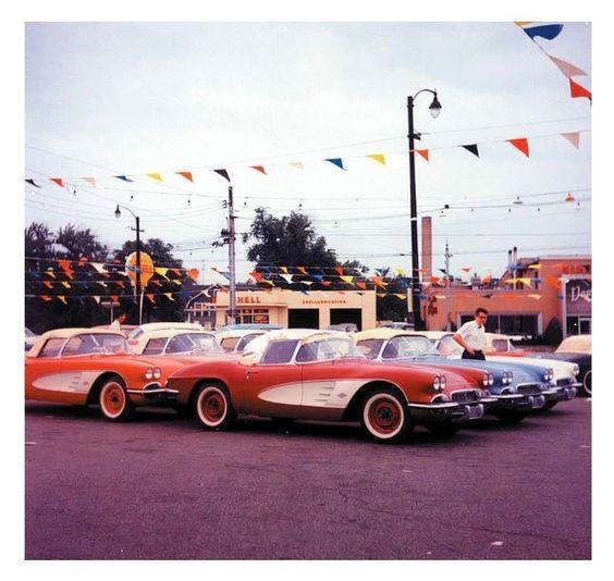Vintage Pontiac Dealership: Vintage Dealership Corvette Lot