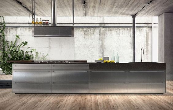 Na Evviva, a grande novidade era a linha INO, primeira cozinha planejada de alto padrão no Brasil que utiliza portas de aço inox - Image for metries.com.br
