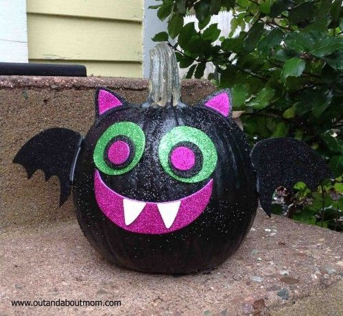 No Carve Bat Pumpkin Video So, we noticed that last year's no-carve pumpkin decorating post has been getting thousands of views (no kidding!) in the past few weeks.