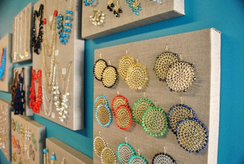 great jewelry display!  (and cute jewelry!)