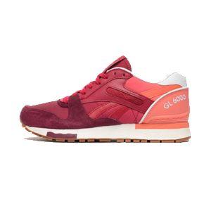 Reebok GL 600 Noch ein Comeback eines alten Sportschuhs. Diese Sneaker überzeugen uns vor allem durch das durchdachte Design und die einheitliche Farbgebung. Gerade in dieser Farbe sicherlich ein Eyecatcher, der seinesgleichen sucht.