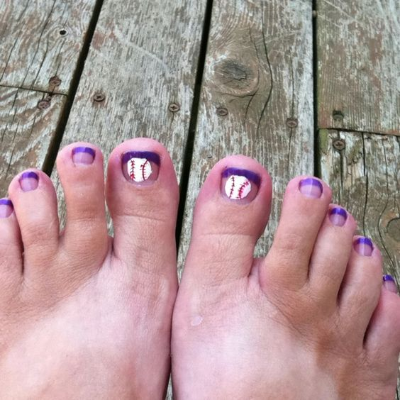 Baseball Pedicure idea. hmmmm maybe in blue for Yankees yes ...