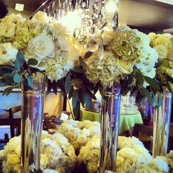 Flowers for a wedding (: