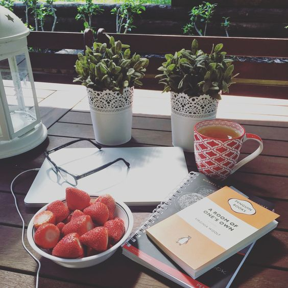 """inkclings: """" studying and reading outside the other day """""""
