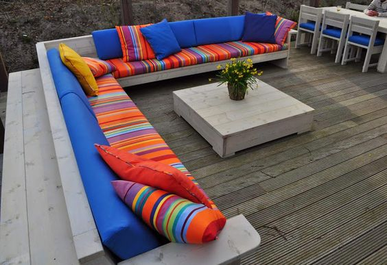 Bright summery #canvas is perfect for adding #colour to your patio - #RealEstateMPL Toiles du Soleil - Google+