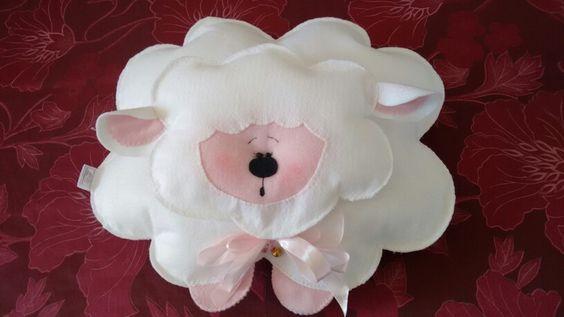 Almofada ovelhinha feltro. Atelie Desocupada.Com