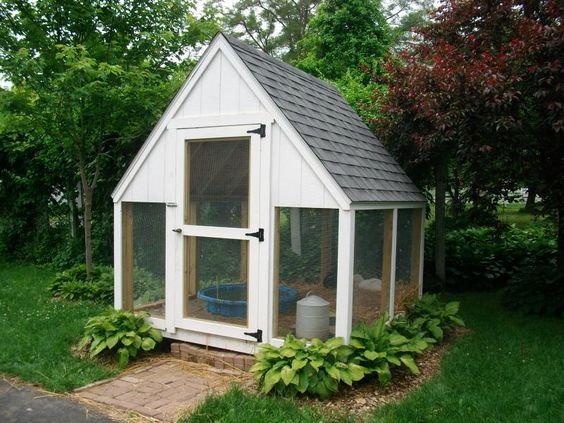 Duck coops the cottage works chicken coops duck houses for Duck hutch ideas