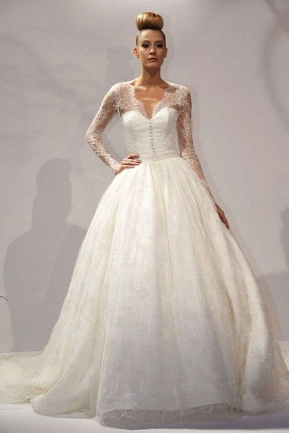 This lace sleeve #weddingdress is just like Kate Middleton's dress.
