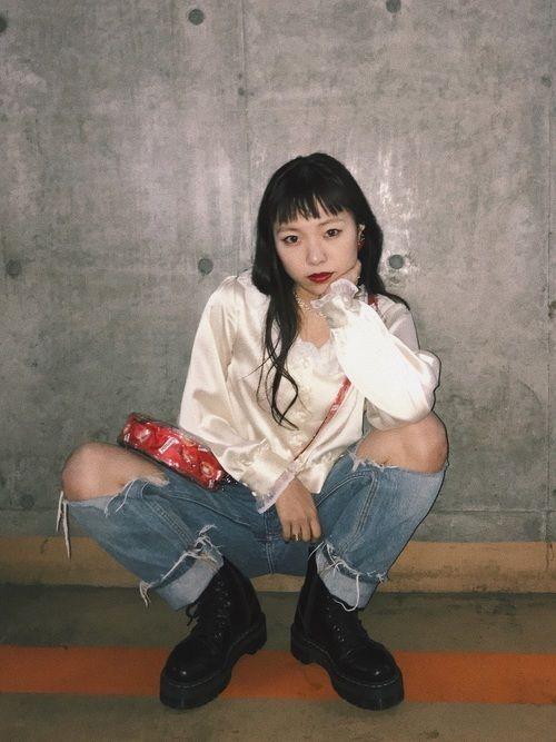 90年代風グランジファッションとは?2019版グランジコーデ&定番アイテム! | YOTSUBA[よつば]