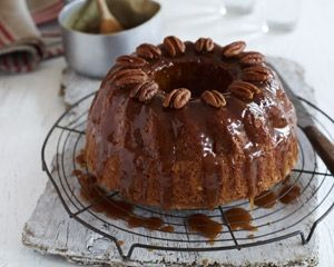 Banana, pecan and maple syrup cake recipe