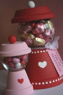 Flower Pot Candy Machine. So my confession for the day is...I am not crafty at all. However--I think I could do this one. Precious idea.