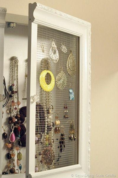 DIY Jewelry Cabinet: Jewelry Cabinets, Jewelry Storage, Diy Crafts, Storage Idea, Diy Jewelry, Medicine Cabinets, Jewelry Holder