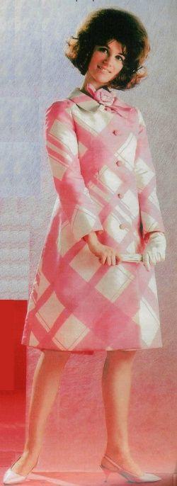 Mai 1964 : Sheila en Haute-Couture. Gloups !