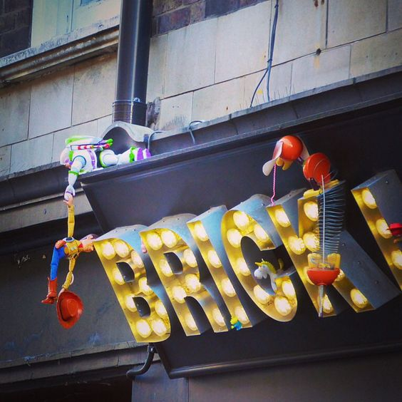 Woody, Brick lane