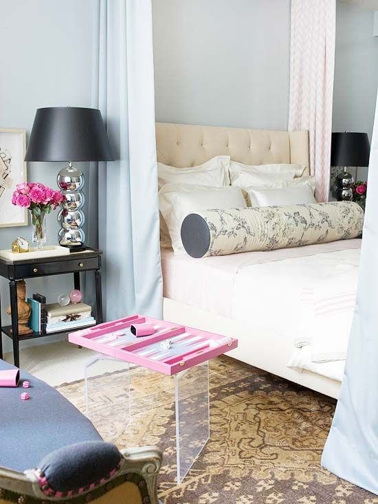 Lamp and headboard: Interior Design, Pink Backgammon, Side Table, 3/4 Beds, Wall Color, Bedroom Design