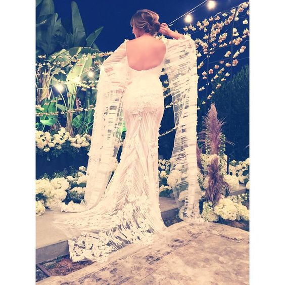 """Details. @marielwashere #WeddingDress #Couture"""