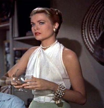 remember grace kelly in rear window her outfits are so