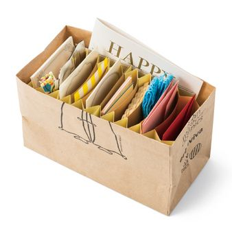 zakka collection [雑貨コレクション]|中にセットすれば紙袋が整理上手な収納グッズに変身!じゃばら仕切りの会|フェリシモ