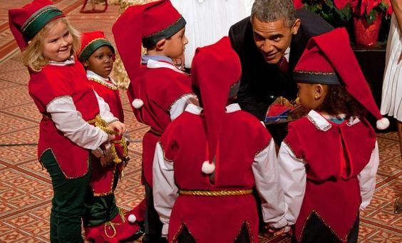 Obama greets Kids for Xmas