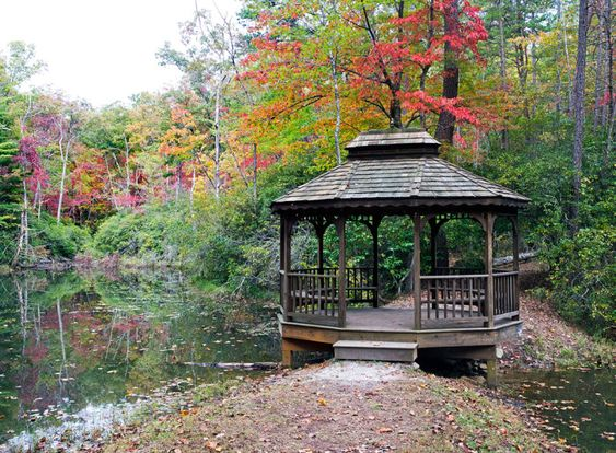 "Pack Picnic Fall Day Trip South Carolina Day Trip: Walhalla to Whitewater Falls ""75 miles through beautiful mountains,"